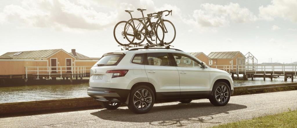 Skoda met fietsen op het dak - keurmerk private lease